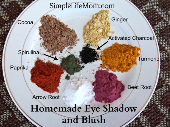2014 Best Homemade Beauty Recipes - Homemade Eye Shadow and Blush with Labels by Simple Life Mom