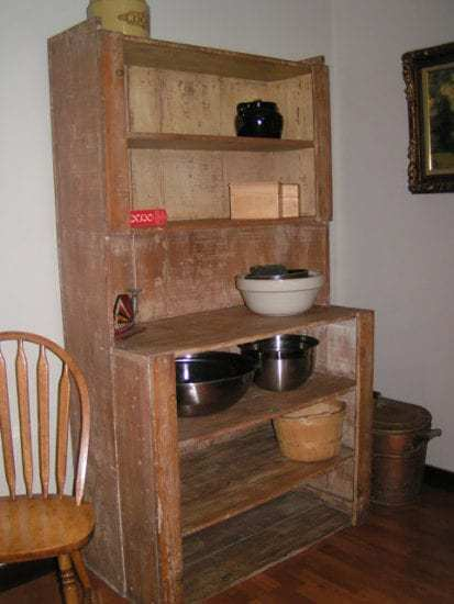 Homestead Blog Hop Feature - Free Furniture and DIY Restoration