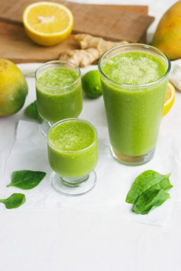 Homestea Blog Hop Feature - Mango Spinach Smoothie