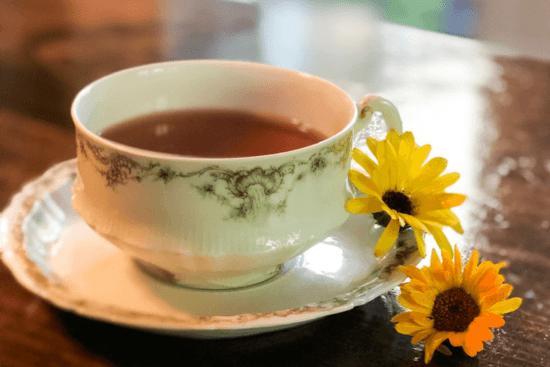 Homestead Blog Hop Feature - 19-Uses-For-Calendula-Tea
