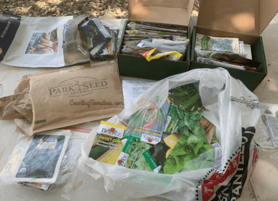 Homestead Blog Hop Feature - How to Save Seed Packets